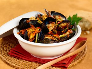 Mussels with Tomatoes, Basil and Garlic